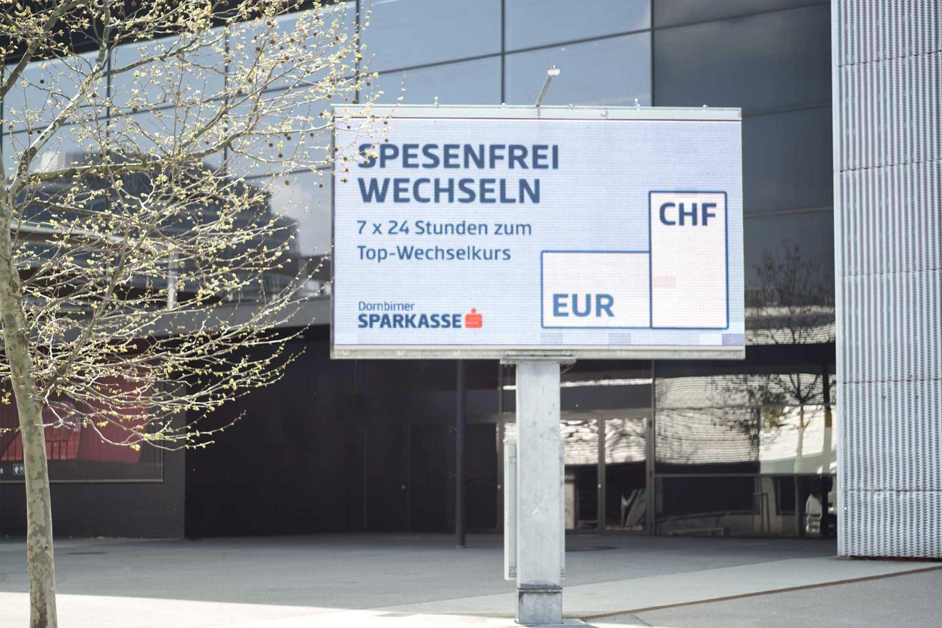 Außenwerbung der Dornbirner Sparkasse – von Bernhard Hafele