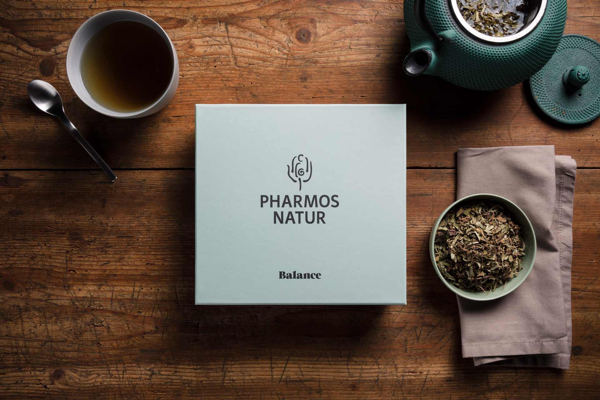 Packagingdesign und Fotokonzept für Pharmos Natur, Weihnachtsset, Verpackung, Weihnachten, Naturkosmetik, Design, Grafikdesign, Bernhard Hafele
